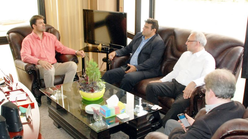 مدیر مجموعه ورزشی آزادی با رئیس فدراسیون قایقرانی دیدار کرد
