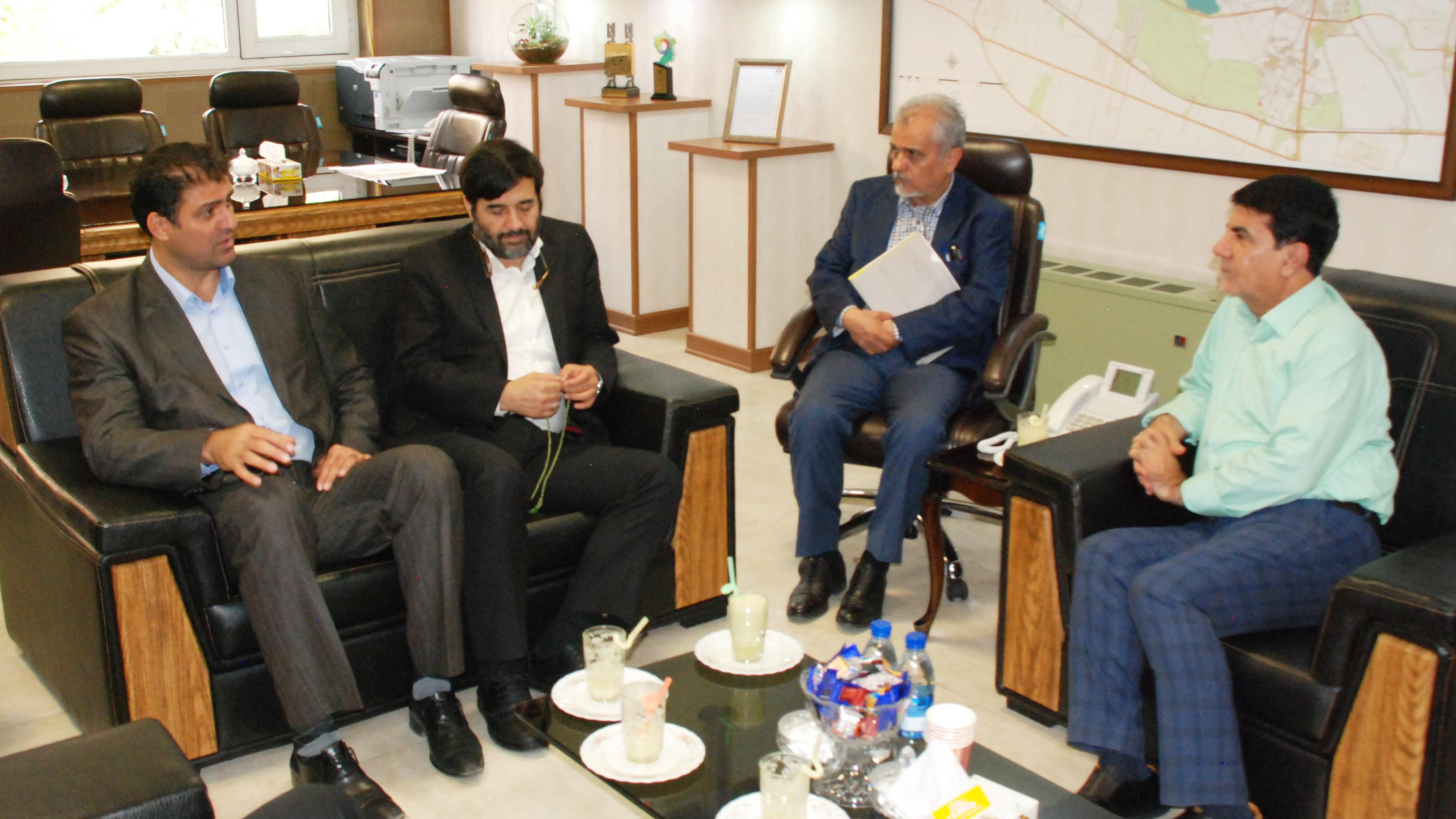 دیدار رئیس فدراسیون قایقرانی با شهردار منطقه 22 پایتخت