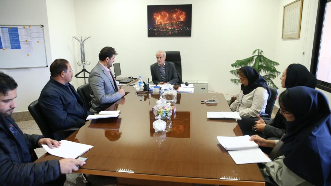 نشست تخصصی سرپرست کاروان اعزامی به المپیک با رئیس و کادر فنی فدراسیون قایقرانی برگزار شد