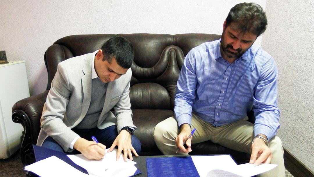 فدراسیون قایقرانی و شرکت مکین دریا تفاهم نامه همکاری امضا کردند