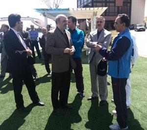 وزير ورزش و جوانان از اردوهاي قايقراني بازديد کرد