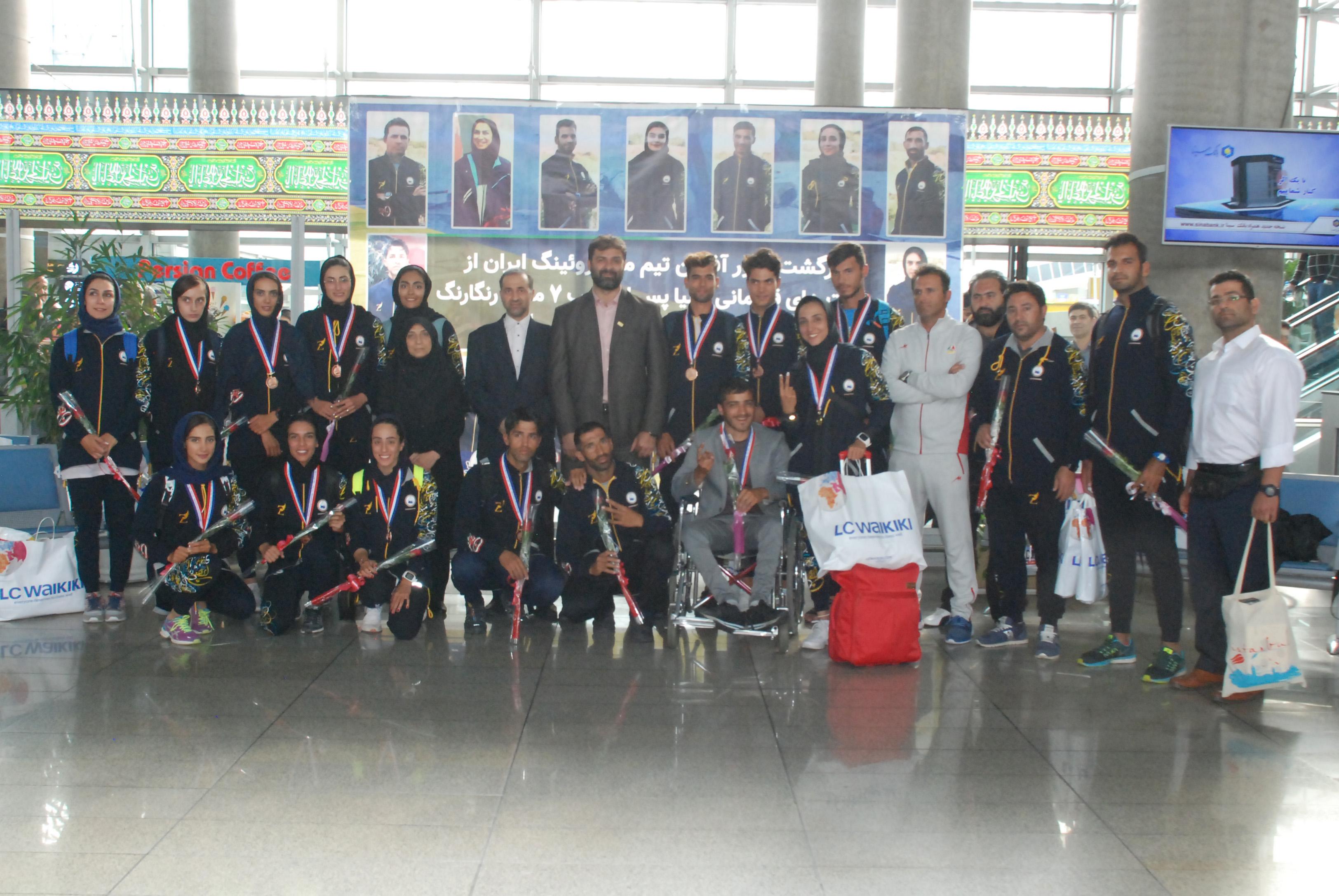 استقبال از تیم ملی روئینگ با حضور مسئولان وزارت ورزش و فدراسیون