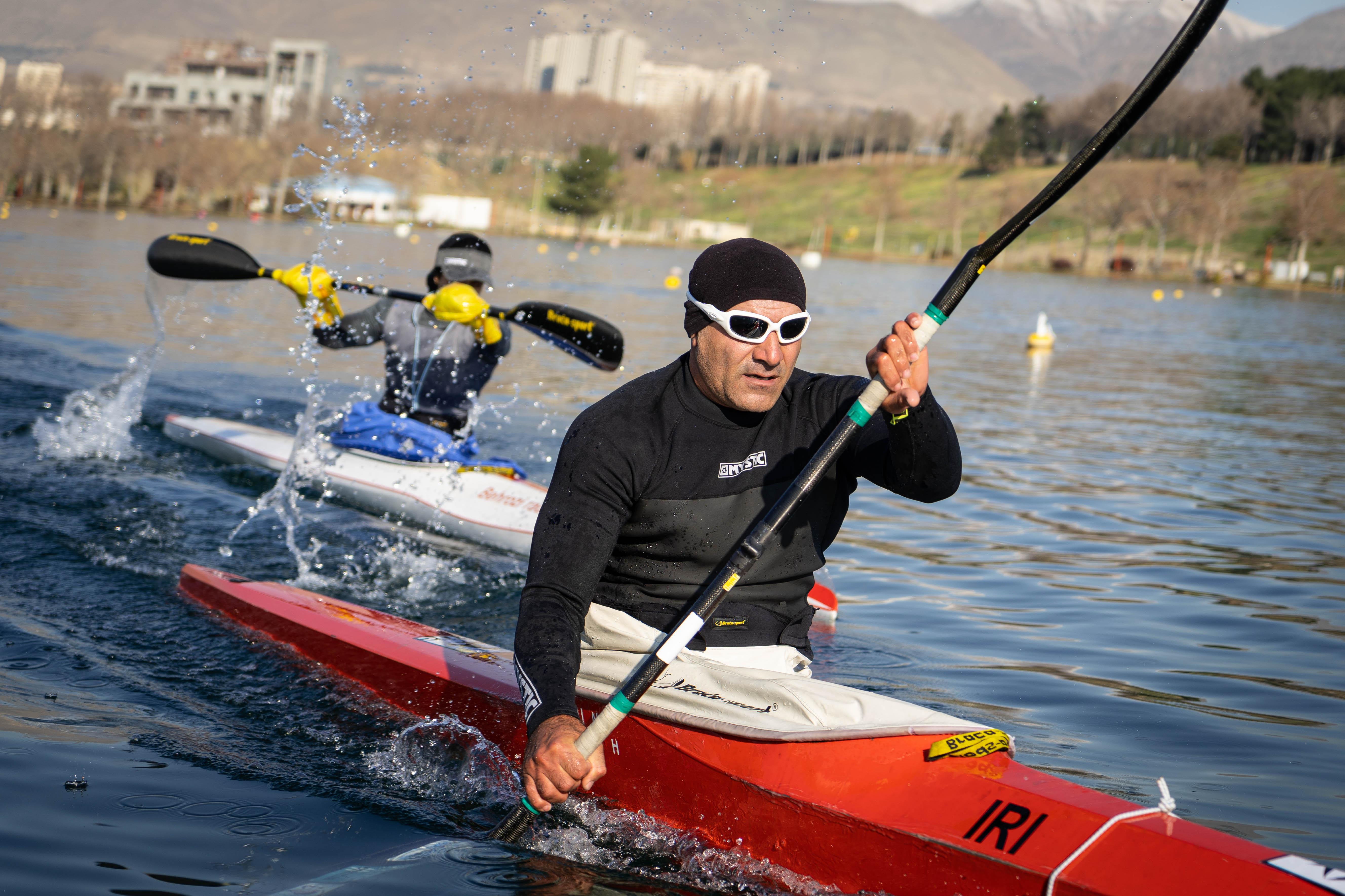 تیم ملی پاراکانو با 7 قایقران در دریاچه آزادی اردو می زند