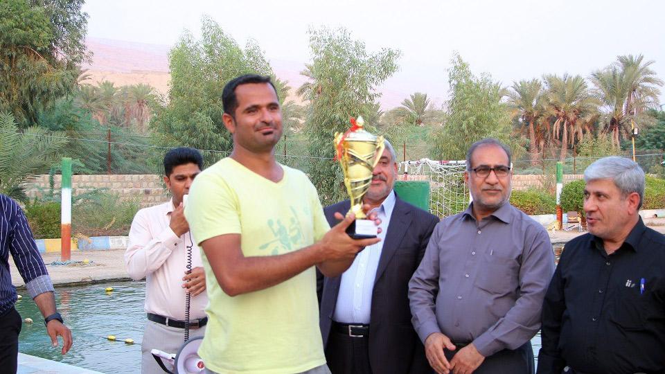 بابک زندی: انگیزه بالای ورزشکاران قایقرانی استان فارس روحیه ما را مضاعف می کند