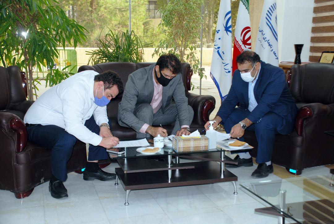 تفاهمنامه سهجانبه پاکسازی دریاچه آزادی امضا شد
